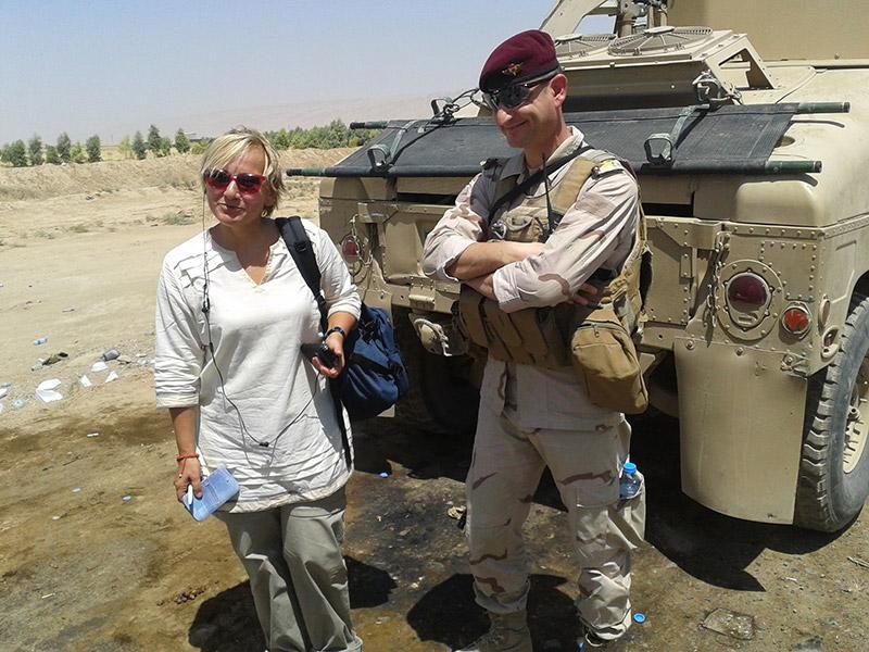 Kurdistan iracheno, con un ufficiale dei peshmerga, agosto 2014